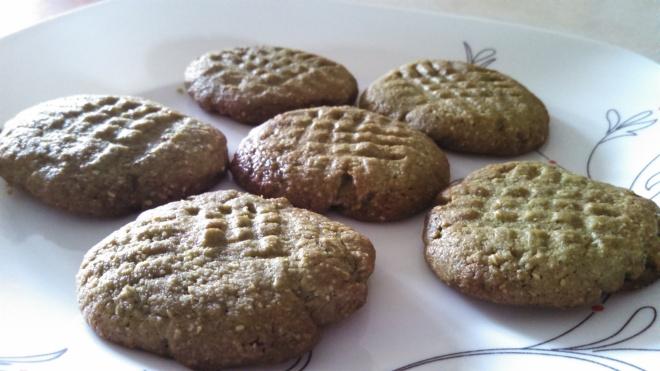 Green tea almond cookies