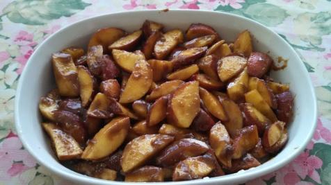 Sugared peaches